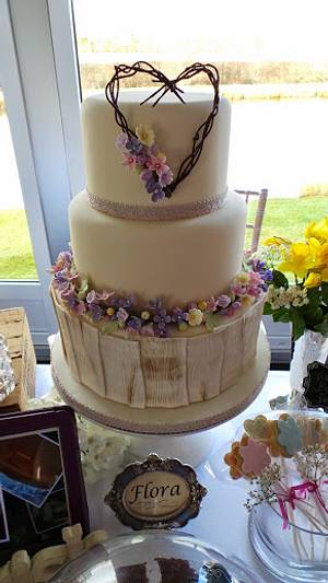 Flora Wedding Cake - Cake by The Old Manor House Bakery - Lisa Kirk