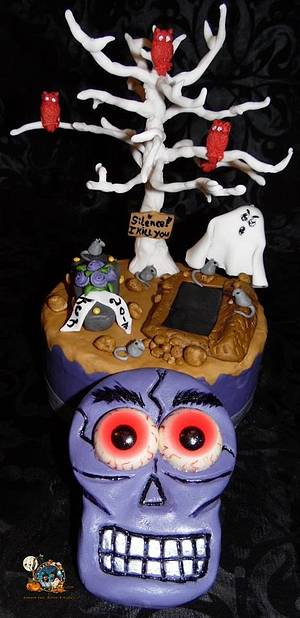 Halloween Collaboration 2017 - Cake by Sweet Baking Babes