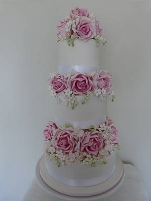Rose Romance - Cake by SugarAllure