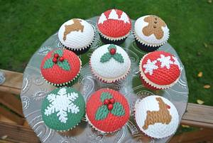 Knitted Effect Cupcakes - Cake by Alison Bailey