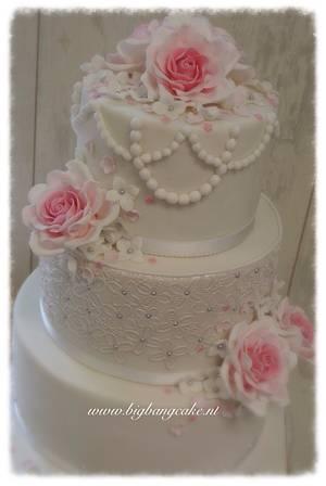 Vintage Wedding Cake - Cake by KimsSweetyCakes