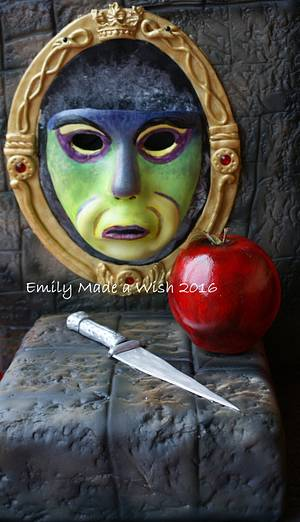The Wicked Queen and the Apple - Cake by Emilyrose