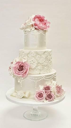 Vintage wedding cake - Cake by Sannas tårtor