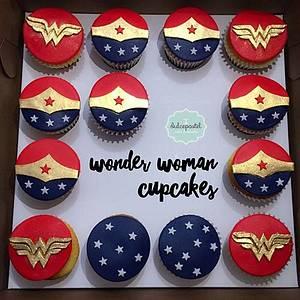 Wonder Woman Cupcakes Mujer Maravilla - Cake by Dulcepastel.com