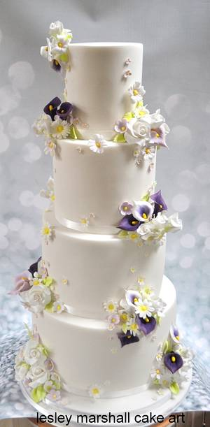wedding cake with flower posies & clay toppers - Cake by Lesley Marshall cake art