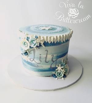 Lily's Frozen Cake - Cake by vivalabuttercream