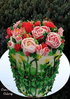 Pink cream flower cake - Cake by Jana R