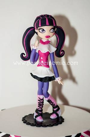"""Monster High """"Draculaura"""" - Cake by Pasticcino Mio"""