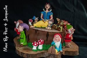 Snow White & The 7 Dwarfs  - Cake by Jacqueline