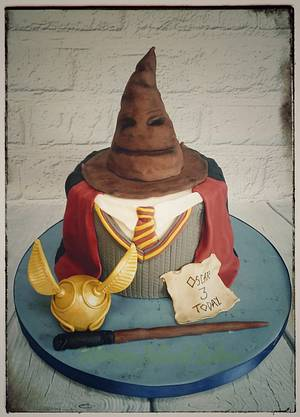 Harry Potter Sweater Cake - Cake by Kitchen Island Cakes