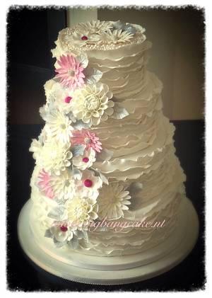 Wedding cake,  ruffles and flowers - Cake by KimsSweetyCakes