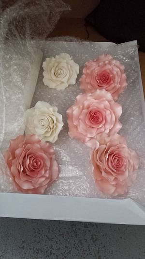 This weeks rose order xx - Cake by My Darlin Cakes