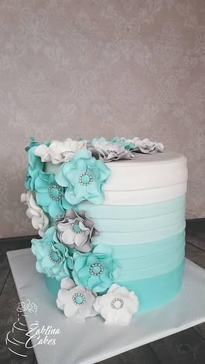 Elegant ruffle cake - Cake by Zaklina