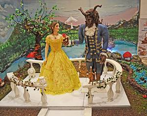 """Beauty & the Beast"" Feature with Tuba Geçkil - Cake by Daniel Diéguez"
