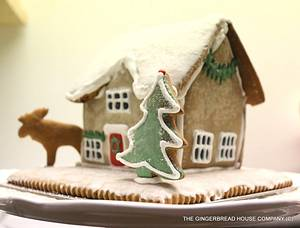 English winter gingerbread cottage - Cake by Sayitwithginger