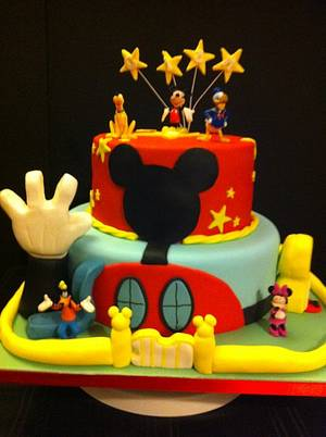 Mickey Mouse clubhouse cake - Cake by sliceofheaven
