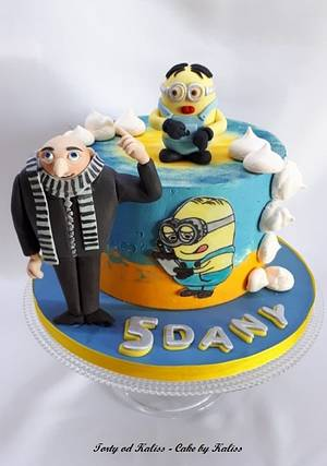 Despicable Me - Cake by Kaliss