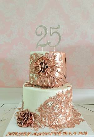 Lace and fabric - Cake by Tiers of joy