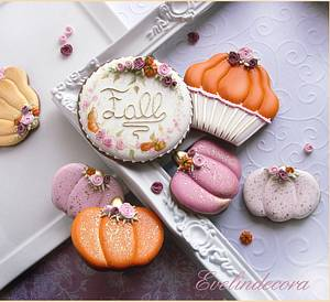 Pumpkins and roses cookies - Cake by Evelindecora