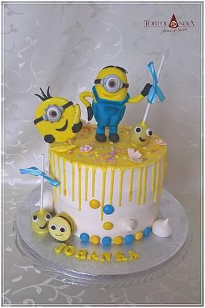 "Minion ""drip cake"" - Cake by Tortolandia"