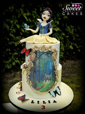 Snow White and the enchanted forest - Cake by Sweet Creations Cakes