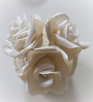 Roses  - Cake by Clara