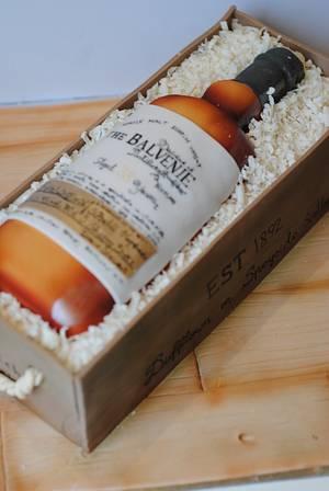 whiskey bottle cake - Cake by Rabarbar_cakery