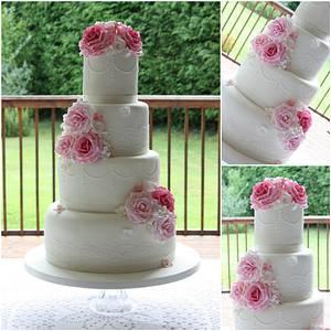 Summer Rose Garden - Cake by TiersandTiaras