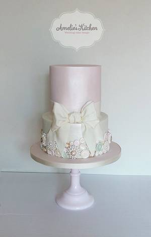 Vintages buttons and bow wedding cake - Cake by Helen Ward