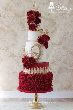 Valentine dark red cut out wedding cake - Cake by Bellaria Cake Design