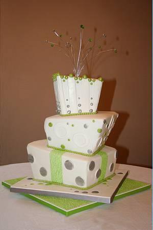 Topsy-turvy wedding cake - Cake by BeesNees