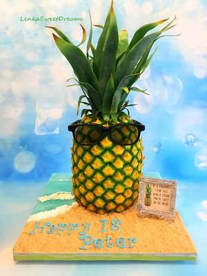 Pineapple birthday cake 🍍. - Cake by LenkaSweetDreams