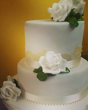 Roses - Cake by Eleonora Laura Mateos