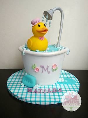 Rubber Ducky cake - Cake by Michelle Chan