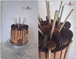 Chocolate drip cake - Cake by Tortolandia