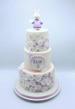 Elegant girls cake  - Cake by Olina Wolfs