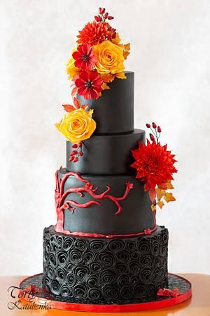 Autumn Wedding Cake in Black  - Cake by Torty Katulienka