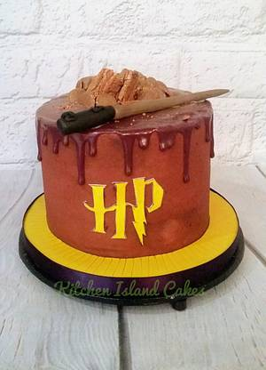 Harry Potter drip - Cake by Kitchen Island Cakes