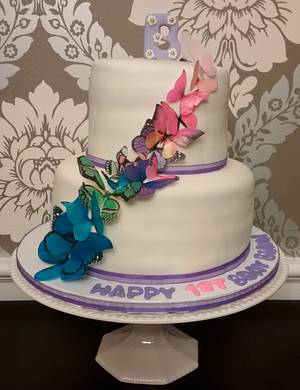 Butterflies for Bianca's 1st! - Cake by Yum Cakes and Treats