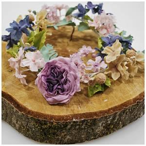 sugar flower wreath/tiara :) - Cake by Ponona Cakes - Elena Ballesteros