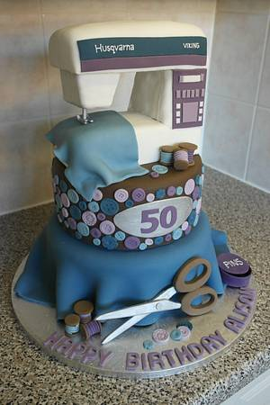 Sewing Cake - Cake by Cake & Crumbles(Emma Foster)