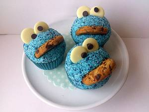 Cookie Monster - Cake by Dollybird Bakes