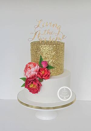 Gold sequins and a pop of colour - Cake by SimplySweetCakes
