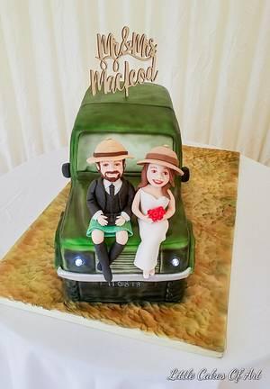 Safari jeep wedding cake - Cake by Little Cakes Of Art