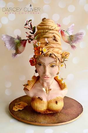 Queen Bee - Cake by Sugar Street Studios by Zoe Burmester