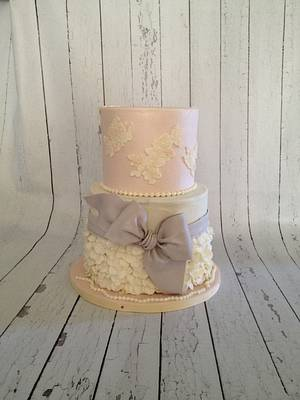Pearls, ruffle and lace cake - Cake by Erica Parker