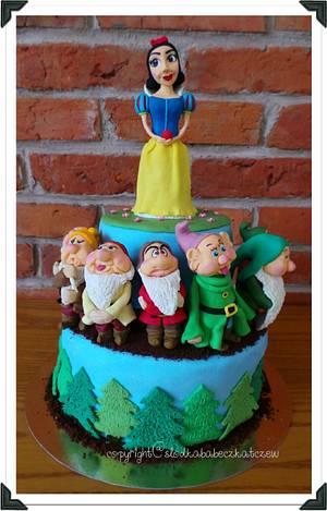Snow White & Seven Dwarfs - Cake by slodkababeczkatczew