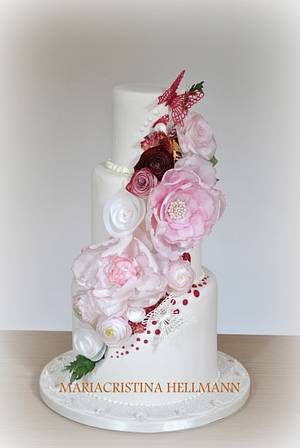 Wedding Cake: Wafer Paper Flowers - Cake by Mariacristina Hellmann