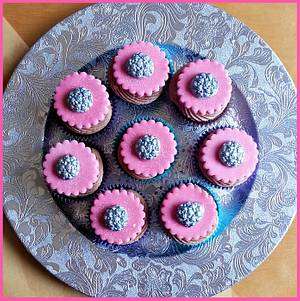 Silver Rose Buttons - Cake by Princess of Persia