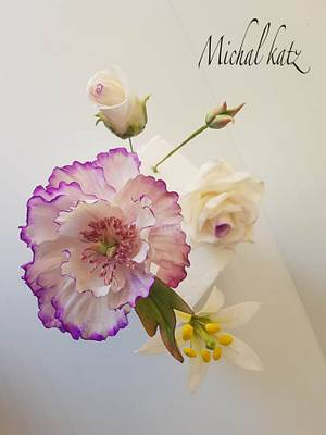 gumpaste flowers - Cake by michal katz